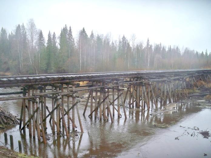 Мост через реку Нырмыч.